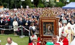 Pielgrzymka Chorych na 25- lecie koronacji obrazu Matki Bożej Rokitńańskiej w Rokitnie