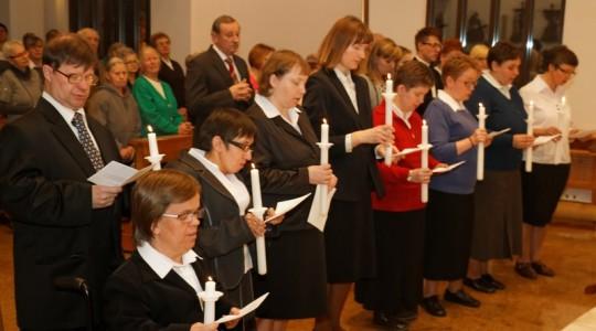 Odnowienie ślubów przez wspólnotę Cichych Pracowników Krzyża w Głogowie