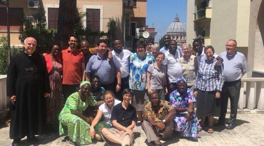 Cisi Pracownicy Krzyża na swoim spotkaniu formacyjnym