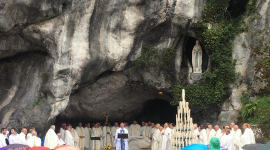 Kolejny dzień w Lourdes
