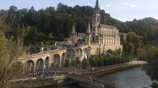 67 pielgrzymka Kapłańskiej Ligii Maryjnej  do Lourdes.